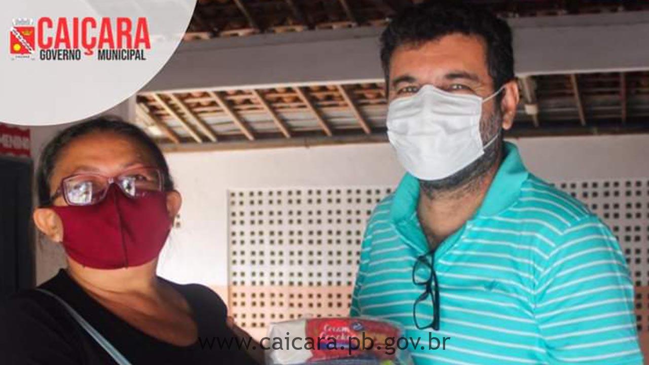 Prefeito Tarcísio Lopes se faz presente na entrega dos Kits de Alimentação Escolar