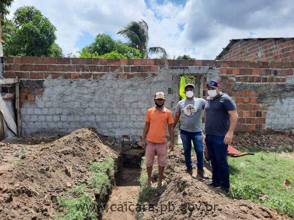 Secretário de Infraestrutura realiza obra de construção de galerias, caixas e bocas coletoras em ruas projetadas