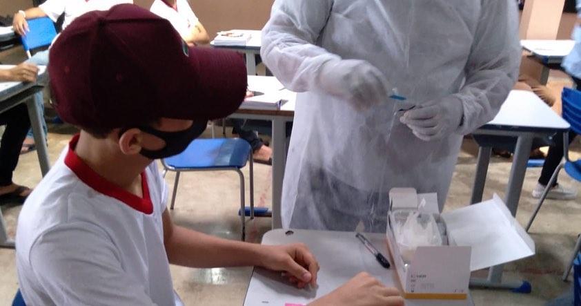 Realizada a testagem rápida da COVID-19 em alunos da rede municipal de ensino nas turmas do 9°ano e MULTISÉRIE